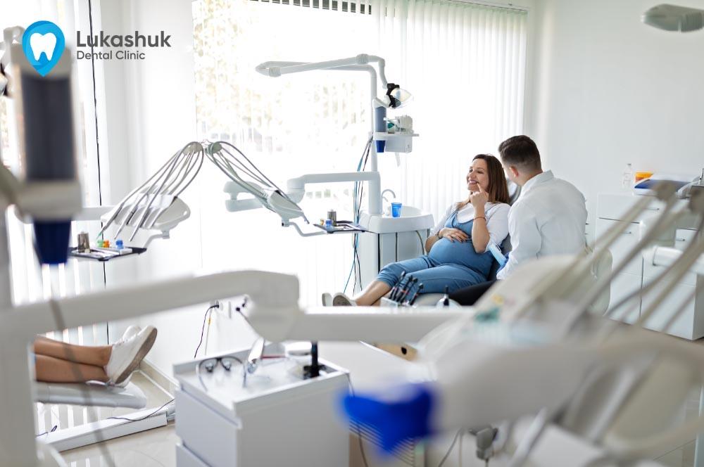 Беременная у стоматолога_триместр